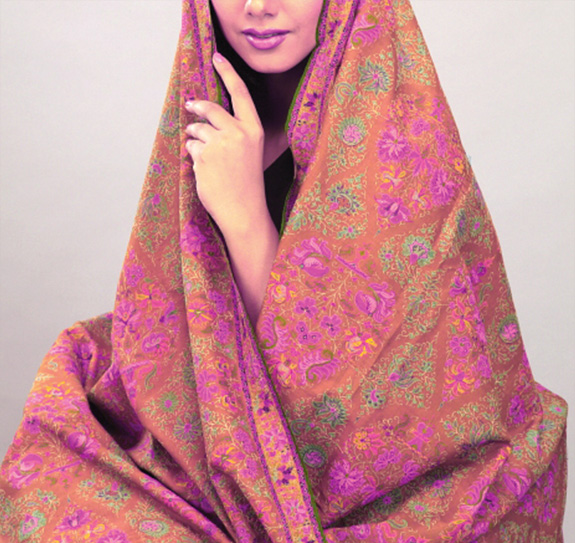 The inviting touch of pashmina